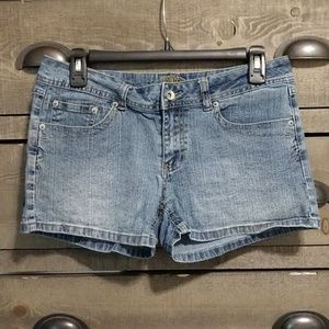 Jean Shorts w/ pocket design